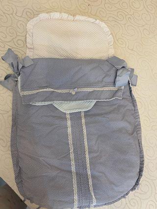 Cubre capazo con saco y colcha reversible uzturre