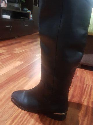 botas negras con pelo t.38