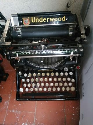 Maquina antigua de escribir Underwood