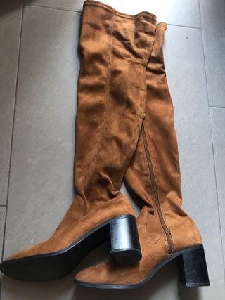 Botas altas Zara de segunda mano en Majadahonda en WALLAPOP