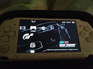 PSP 3000 rosa semi nueva