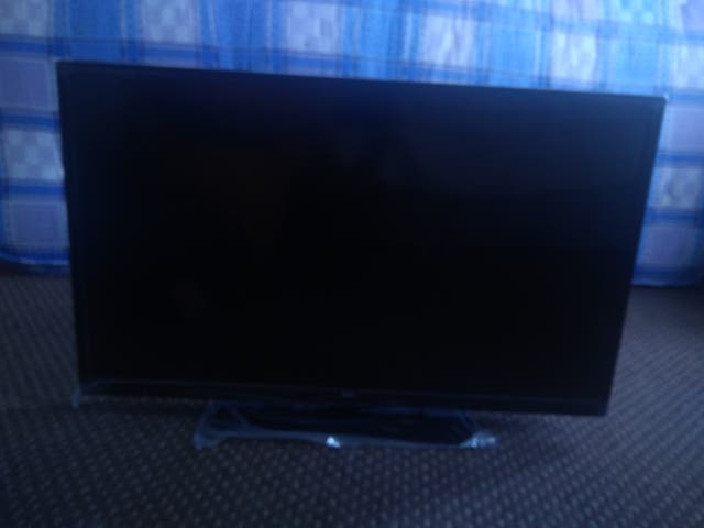 """32"""" inch Smart Television in excellent condition"""
