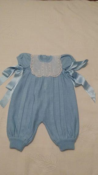 Traje de bebé azul