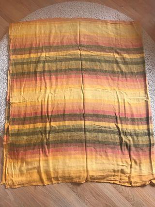 Preciosa y colorida tela para cubrir sofá u otros