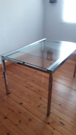mesa de ikea en perfecto estado
