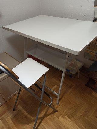 Mesa de dibujo, banqueta, paralex y más