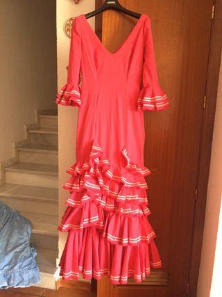 Traje de flamenca rosa fucsia
