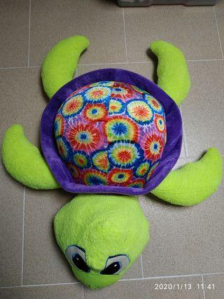 Peluches cerdito y tortuga