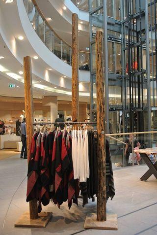 Muebles Comercial para tiendas y Restaurantes