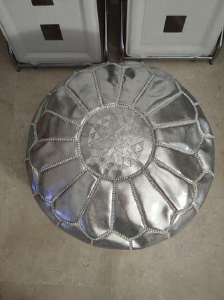 Cojín puff Marroquí en piel color plata!!