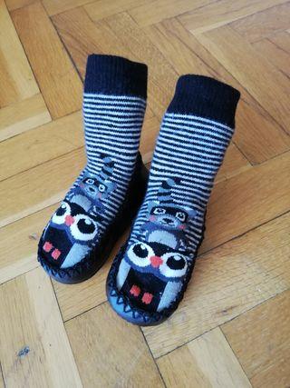 Zapatillas calcetines bebé nuevas