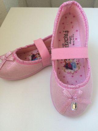 Zapatillas de casa Frozen.Nuevas. Talla 31