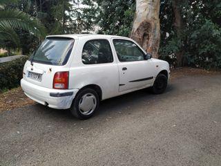 Nissan Micra 2000 gasolina