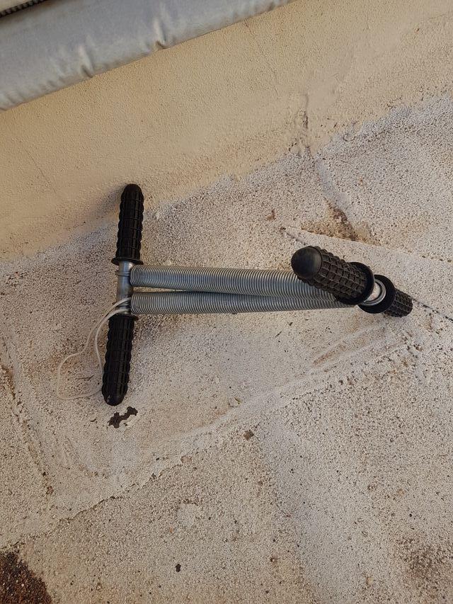 instrumento para hacer flexiones de forma manual