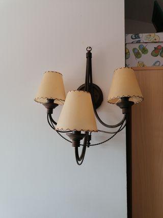 Dos lamparas.