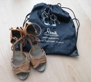 Zapatos de baile, REINA, en PERFECTO estado.