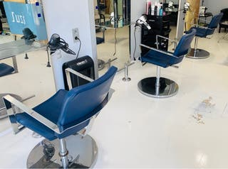 Vendemos mobiliario de peluquería