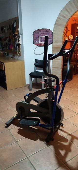 Bicicleta elíptica de gimnasio