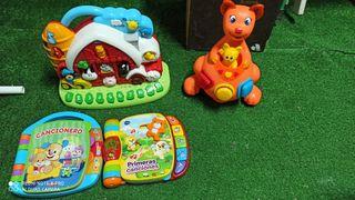 varios juguetes para niños
