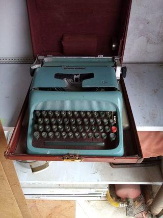 máquina de escribir antigua con cajón para guardar