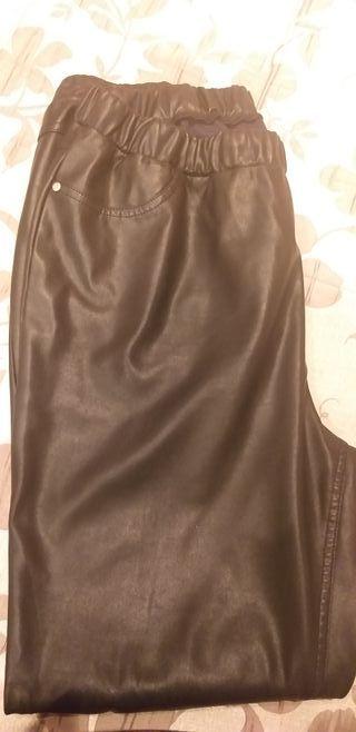 pantalón piel negro 48