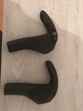 Puños ergonomicos Ergon GS2