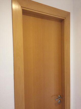 Puerta maciza madera de haya