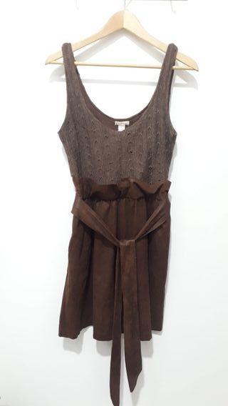 Vestido marrón cuero y lana Stradivarius