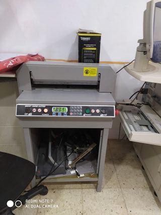 guillotina automática y digital