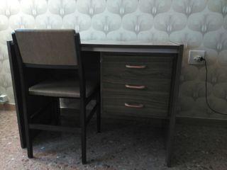 Mesa despacho clásica con silla