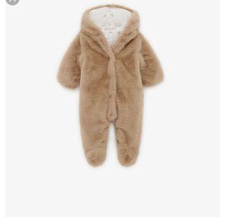 Buzo efecto pelo Zara mini nuevo capucha bebe