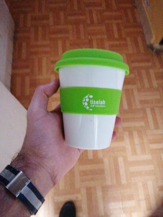 vaso rígido para transportar liquidos