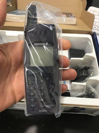Lote móviles ericcson r320s completos