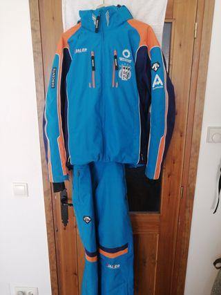Anorak y Pantalon de Esquí Descente.