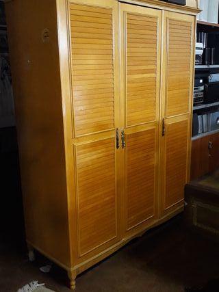 Armario vintage persiana madera