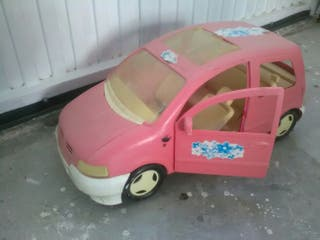 coche monovolumen para barbies