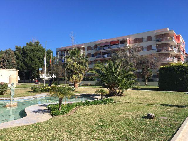 Bajo ajardinado a 20 metros de la playa (Rincón de la Victoria, Málaga)