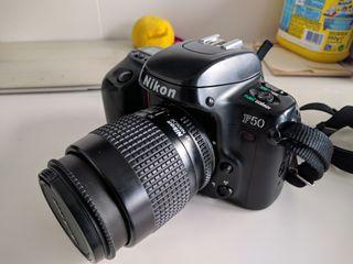 Cámara Nikon F50. Perfecto estado.