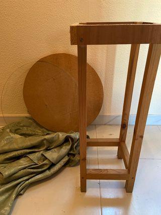 Mesa de madera + cristal + tela
