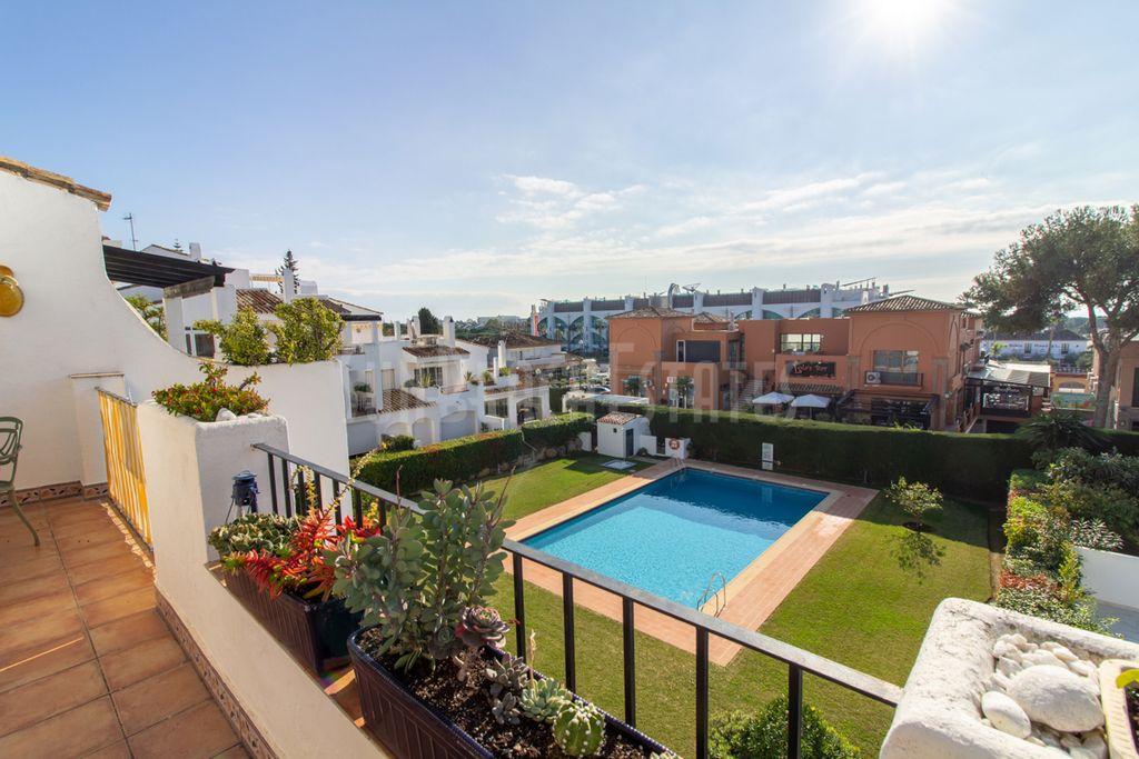 Ático 2 Dormitorios en Benavista, Estepona (El Paraíso, Málaga)