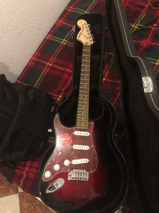 Guitarra Fender Squier Stratocaster standard zurdo