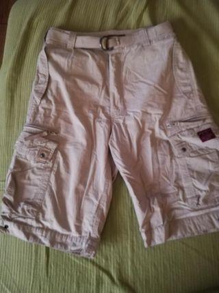 Pantalón / bermuda marca Coronel Tapioca