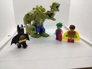 Figuras tipo lego Batman y Killer croc