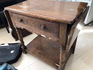 Antigua mesa /aparador de madera