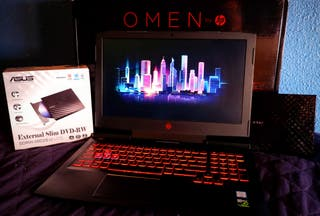 Hp Omen 15 + Asus External Slim DVD-RW
