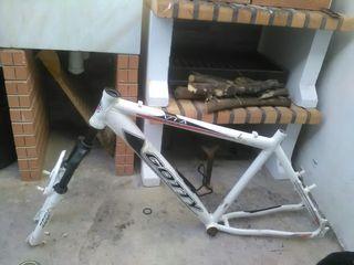 Cuadro de aluminio bicicleta montaña, no pesa nada