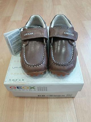 zapatos Geox niño, piel marrón talla 25