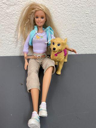 Barbie y perro