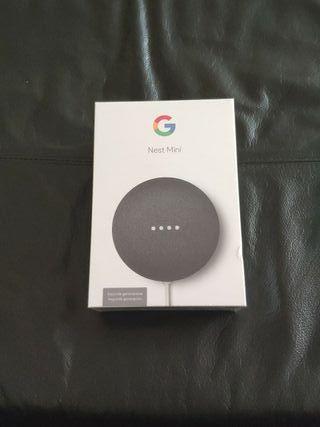 Google Nest Mini.
