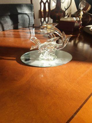 figura delfines cristal y oro